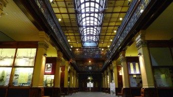 The Mortlock Wing of the South Australian State Library oozes 'libariness'